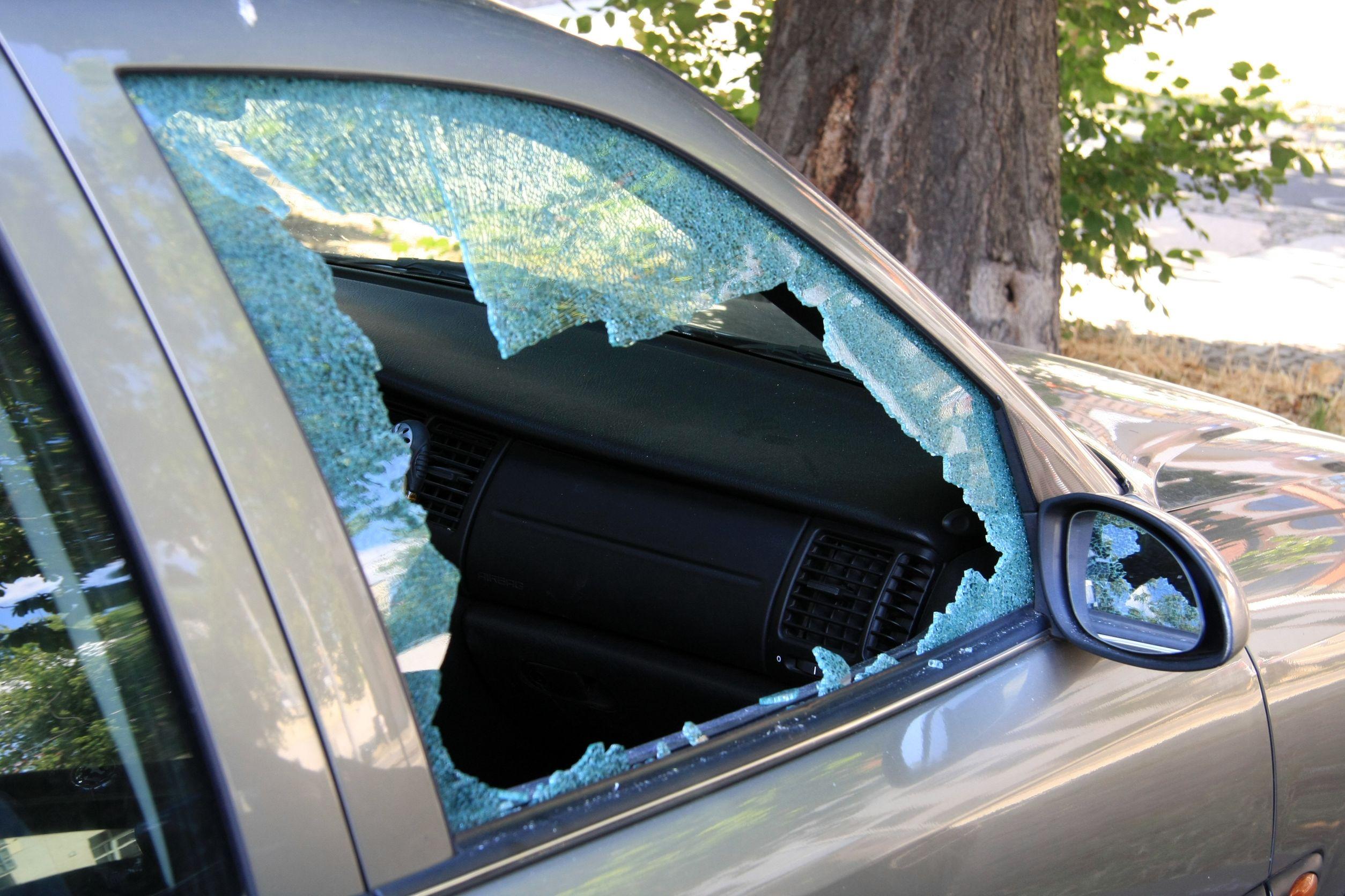 11833817 - broken glas at a car